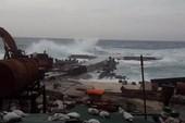 Đảo Bé ở Lý Sơn bị cô lập do bão