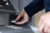 Vì sao ATM dễ dàng bị tin tặc khống chế?
