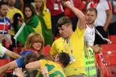 Fan Brazil hỗn chiến với Serbia trên khán đài Spaktar