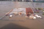 Hiện trường vụ sạt lở 5 căn nhà tại bờ sông Ô Môn