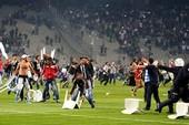 Hỗn loạn trận derby Thổ Nhĩ Kỳ