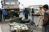 Hà Nội: Xe tải đâm nhau trên quốc lộ, tài xế tử nạn