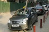 Lái xe thoát chết may mắn sau vụ tai nạn hy hữu
