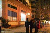 Dân ở nhà cao tầng tá hỏa vì rung chấn tại Hà Nội