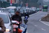 Nơi thông thoáng nơi chật hẹp do dải phân cách cứng BRT