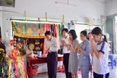 Thủ tướng tri ân một giáo viên đã khuất