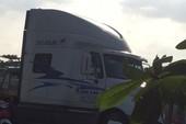 Tài xế xe container nhấn ga tông hỏng xe CSGT ở quận 9