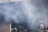 Cháy dữ dội cửa hàng gốm, đồ thờ ở đường Nguyễn Chí Thanh