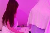 Tiếp viên massage 'tắm tiên' với khách ở TP.HCM