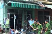 Giải cứu bé gái mắc kẹt, ngạt khói trong đám cháy ở Bình Tân