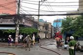 Cháy dữ dội ở 2 cơ sở sản xuất vào cùng buổi chiều ở TP.HCM