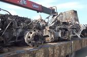 Ô tô khách tông container bị cháy trên cao tốc