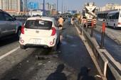 Liên tục va chạm trên xa lộ Hà Nội, giao thông kẹt cứng