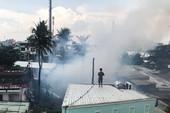 Cháy dữ dội nhiều căn nhà ở gần cầu Bình Lợi