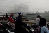 Sài Gòn sương mù kéo dài bất thường, mưa cũng hiếm thấy