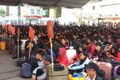Chuyến xe mùa xuân đưa 3.000 sinh viên về quê ăn Tết