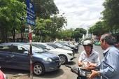 TP.HCM: Phí đậu ôtô vài giờ lên tới cả trăm ngàn đồng?