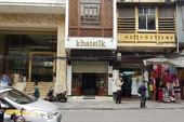 Kiểm tra cửa hàng bán khăn 'made in China' của Khaisilk
