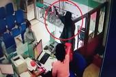 Clip: Cướp ở chi nhánh 1 ngân hàng ở Tiền Giang