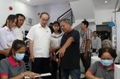 Clip: Bí thư Nguyễn Thiện Nhân gặp gỡ cử tri quận 2 và 4
