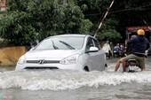 Bí kíp lái ô tô an toàn mùa mưa, đường ngập