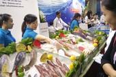 Mỗi tháng người Việt chi gần 140 triệu USD nhập tôm, cá