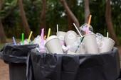 Lý do tại sao bạn nên hạn chế dùng ống hút nhựa