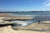 Bình Thuận thông tin về nước xả ra biển đen như hắc ín