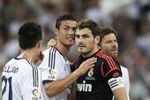 "Bản tin tối (13/5): Ronaldo, Casillas rời Real; Đại gia ""xâu xé"" Benteke; M.U, Arsenal bỏ lỡ Khedira"