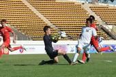Bóng đá trẻ Singapore bị 'ném đá' tơi tả sau trận thua Việt Nam