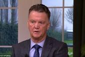 HLV Louis van Gaal tấn công Mourinho