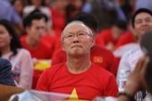 Cảm xúc Park Hang-seo và thỏi son U-23 VN tặng Mỹ Tâm