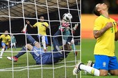 Sao Man City giúp Brazil quên đi nỗi đau thua Đức 1-7