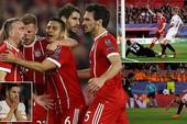Bayern Munich thắng ngược Sevilla nhờ 2 bàn may mắn