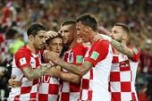 'Đại bàng xanh' tự thua, Croatia vượt Argentina lên ngôi đầu