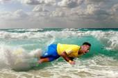 Người hâm mộ 'đóng gói' Neymar đưa về nước