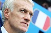 Pháp thắng Uruguay, HLV Deschamps lại khen 'chân gỗ'
