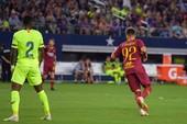 AS Roma lại gieo ác mộng cho Barcelona