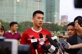 Vị khách đặc biệt trong buổi tập của đội tuyển Việt Nam