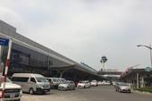 Nhân viên sân bay Tân Sơn Nhất 'chôm' điện thoại khách