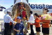 Khách đi máy bay cùng trẻ em được làm thủ tục khách VIP