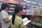 Phụ huynh lại than phiền về việc thiếu sách giáo khoa