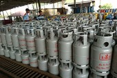 Giá gas nhảy vọt 11.000 đồng/bình do tỉ giá USD tăng