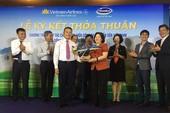 Vinamilk bắt tay Vietnam Airlines đưa sữa Việt ra thế giới