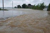Gần 27.000 căn nhà ở Bình Định đang bị ngập