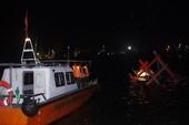Biên phòng cứu kịp 2 ngư dân chới với giữa biển