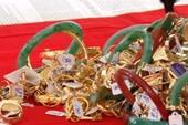 Chủ tiệm vàng báo mất gần 300 đôi bông tai