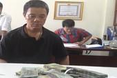 Hành khách Trung Quốc trộm hơn 400 triệu trên máy bay