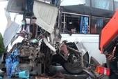 Cục CSGT nói gì về vụ xe khách đâm xe cứu hỏa?