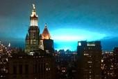 Bầu trời New York bỗng chuyển màu xanh kỳ lạ